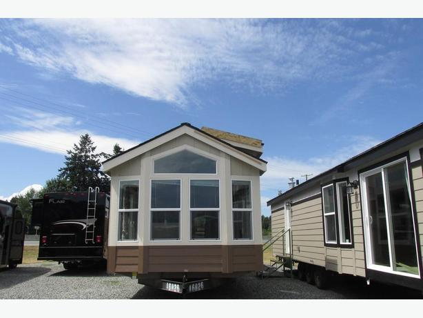 2016 Fleetwood/Cavco Homes Great North 12442C - SK# A16N2758