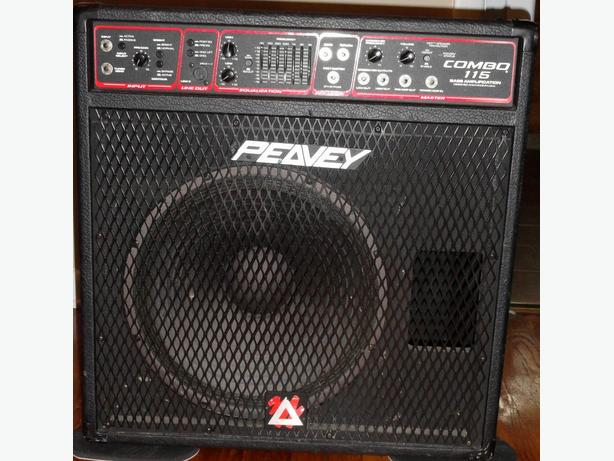 Peavey 115 Combo Bass Amp
