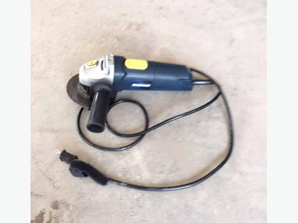 Mastercraft 4.5 inch angle grinder