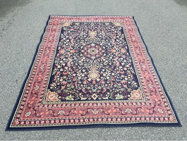 FREE: floor rug 6' x 8'