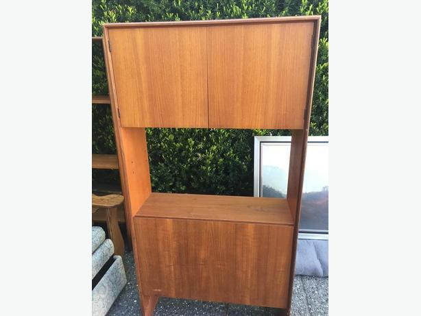 FREE: shelving unit, 2 pieces, teak veneer