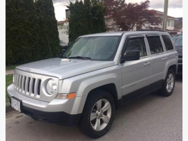 2011 Jeep Patriot 93,000km New transmission + Clutch + Tires