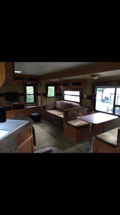 used mobile homes saskatchewan with 201011 Keystone Hor  Cabin Trailer 29420597 on Weyburn Rv likewise All Aluminum C ing Lite Travel Truck 000 4057690 also 2006 Palomino Yearling 4100 Tent Trailer 4341985 besides House Trailer For Sale 8000 Obo 230130 further 10 000 Obo1999 Terry 24 5 Foot 5th Wheel Trailer 2884849.