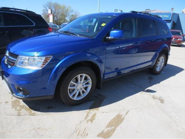 2015 DODGE JOURNEY SXT - 7 PASS/NAV/SUNROOF/DVD