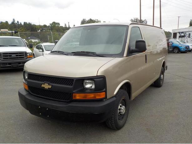 2007 Chevrolet Express 2500 Cargo Van w/ Rear Shelving