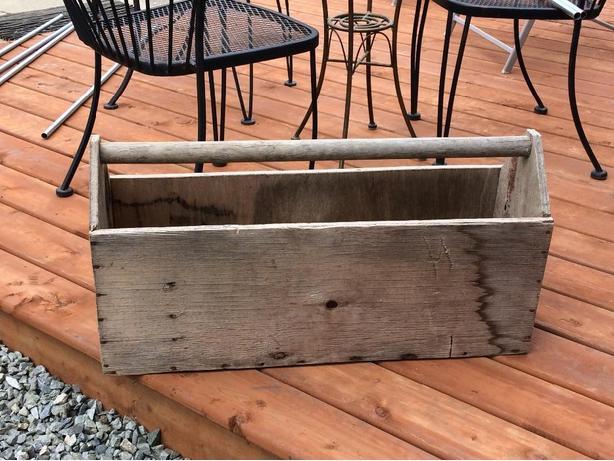 vintage tool box/ plantig box