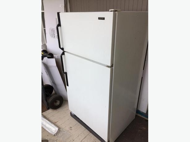 McClary fridge in great shape