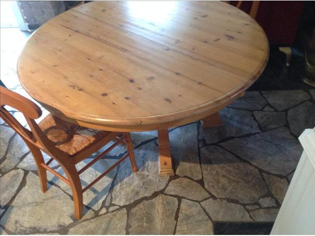 "60"" pine round pedestal table.  with 18"" leaf"