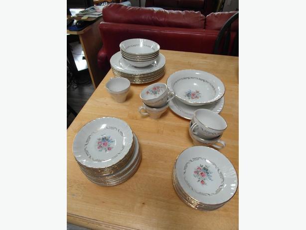 43 pce, Ridgway Staffordshire dining ware