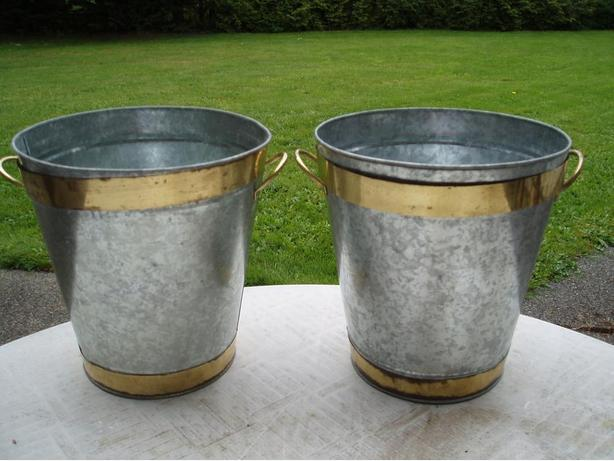 Galvanized flower bucket set