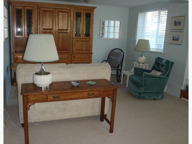 Chemainus 2 bedroom + den unfurnished suite