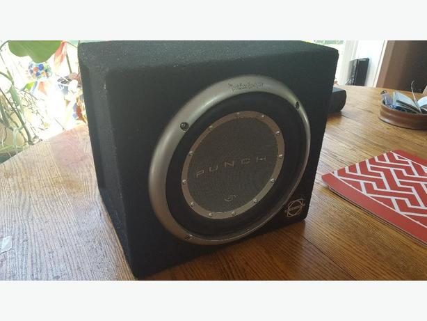 "10"" fockford fosgate Punch subwoofer with Pioneer amplifier"