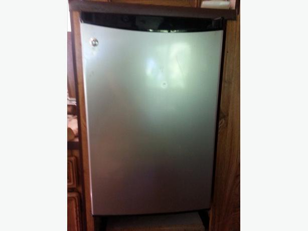 GE half size fridge