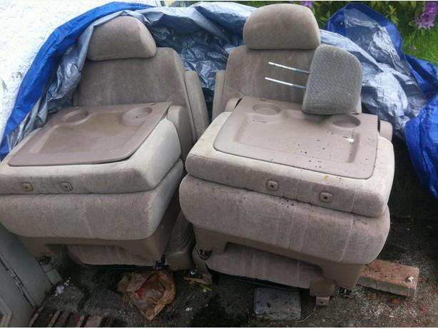 Middle Seat For 1998 To 2003 Toyota Sienna