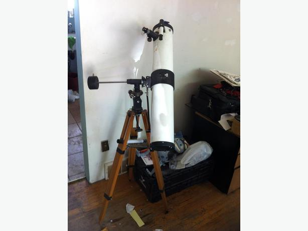 Telescope - Carl Wetzlar f900mm, 4 inch mirror, with extra lenses.