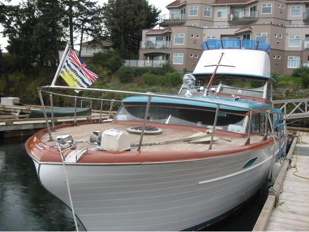 1958 Chris Craft Constellation 35' Express Cruiser
