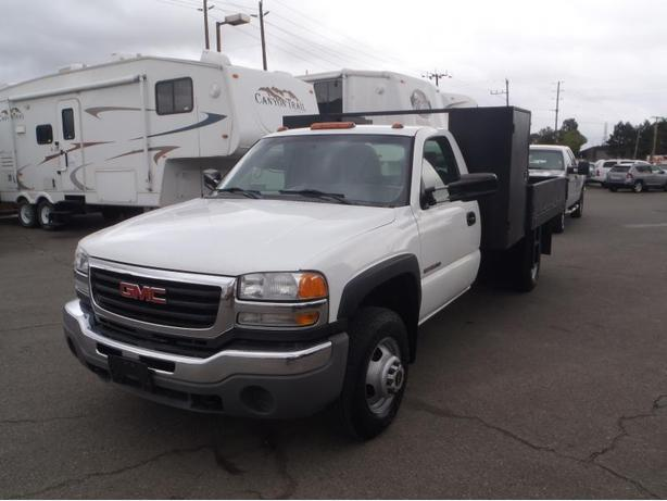 2006 GMC Sierra 3500 Regular Cab Flat Deck 2WD