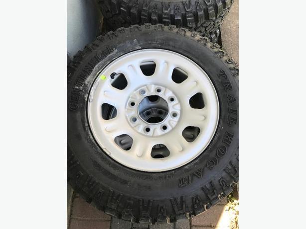 "18"" Trail Hog tires on rims"