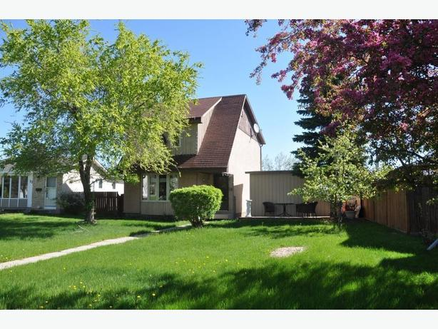 19 Blairmore Gardens - Professionally Marketed by Judy Lindsay Team