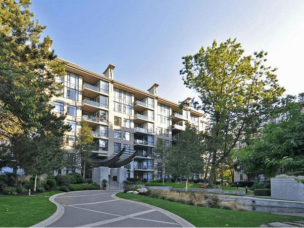 Well-Appointed 2 Bedroom 2 Bath Furnished Apartment in Kerrisdale #234