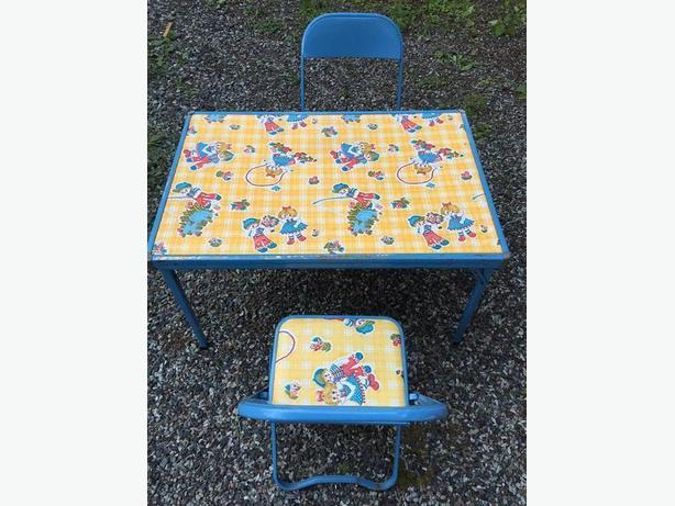 Vintage Childrens Table And Chair Set Cobble Hill Cowichan Mobile