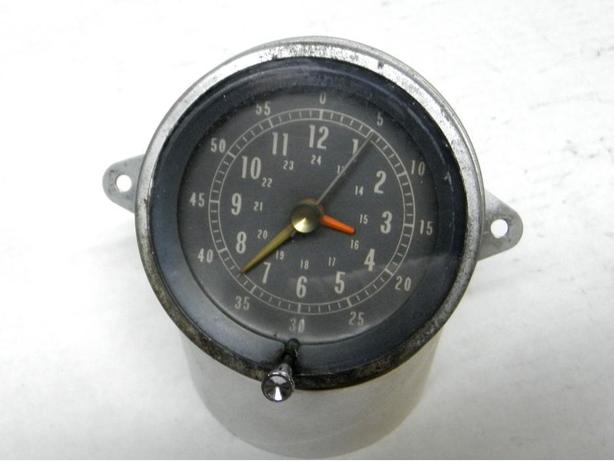 1965 Pontiac 1966 1967 Beaumont SD Console Clock