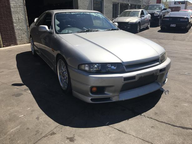 Nissan Skyline R33 GTT modified