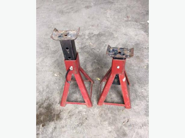 Axle stands