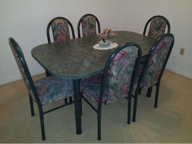 7 pcs Dinette Set with removable leaf