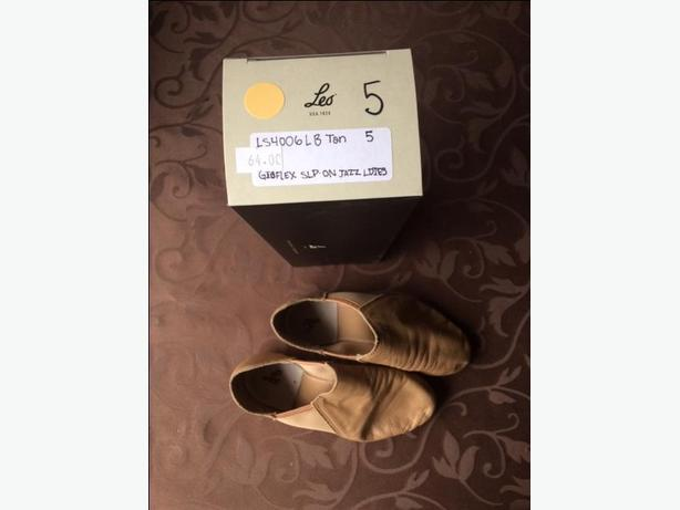 Tan Leo dance shoes