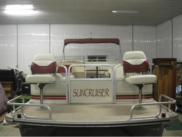 1997 SunCruiser Trinidad 22' Fish & Cruise Pontoon Boat w/40hp Evinrude