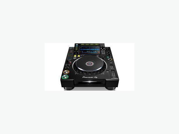 Pioneer CDJ-2000NXS2 Professional DJ Multi Player