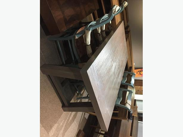 Opened box Large Dining Tables