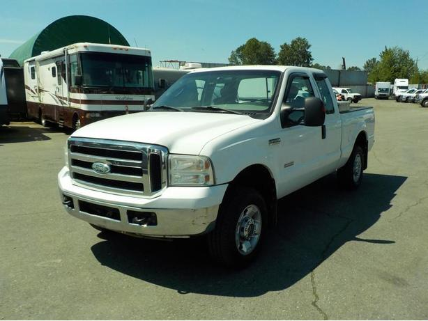 2006 Ford F-250 SD SuperCab Short Box Diesel 4WD with Tool Box