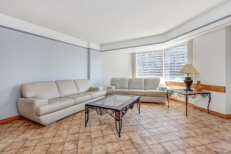 3 Bedroom 2 Bath Fully Furnished Condo For Rent Central