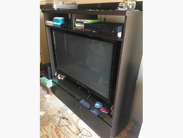 **FREE* Ikea TV Unit