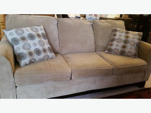 SET, Only 3 years old, Couch, Loveseat and Chair