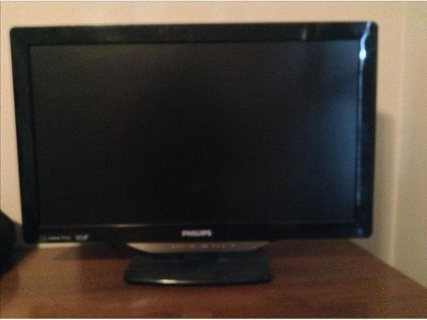 15' flatscreen HDTV