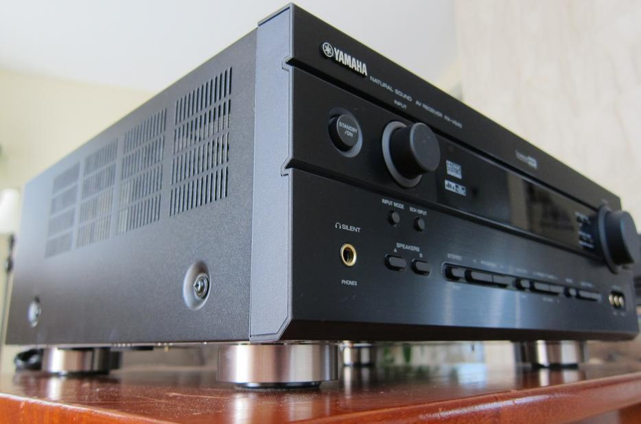 Yamaha Signal Comes Out All Speakers