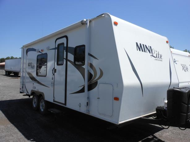 2013 Rockwood 2304 Mini Lite Travel Trailer
