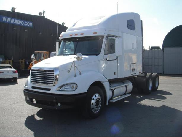 2007 Freightliner Columbia 120 Highway Tractor Sleeper Diesel w/ Air Brakes