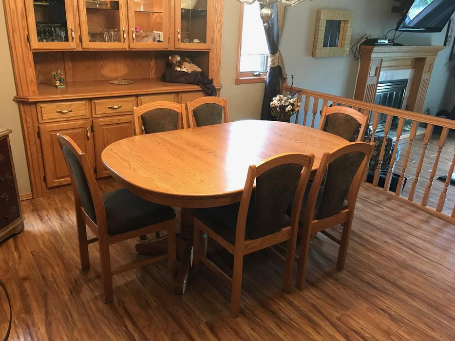 Dining room table east regina regina for Dining room tables kelowna