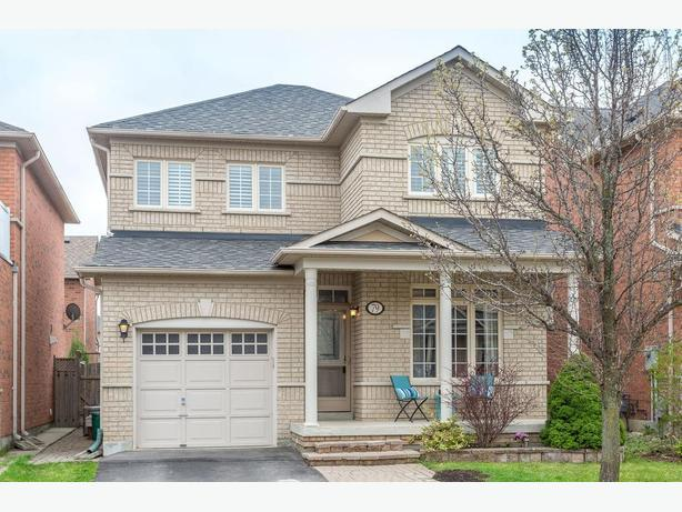 Beautiful Detached Home in Woodbridge!
