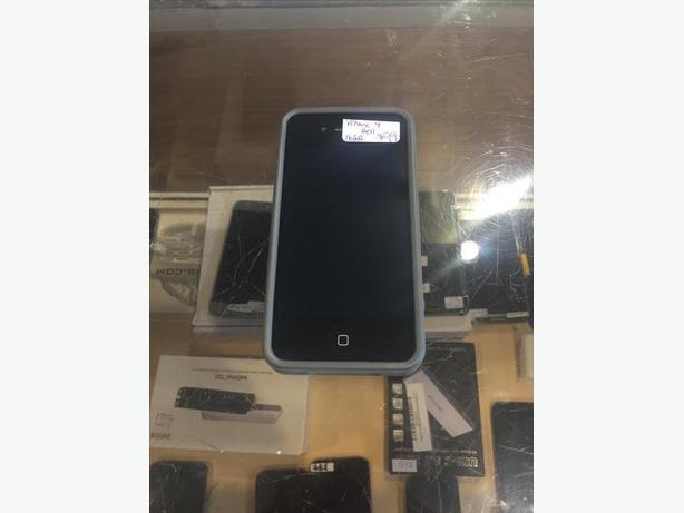 LOCKED Bell/Virgin iPhone 4 16 GB Black w/ Warranty!