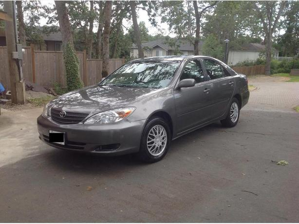 2002 toyota camry le 4dr sedan grey saanich victoria. Black Bedroom Furniture Sets. Home Design Ideas