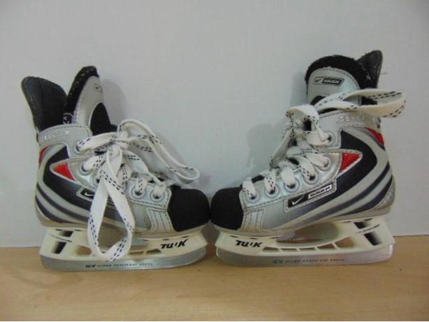 5da7030765 Hockey Skates Child Size 8 Toddler Shoe Size Bauer Nike Vapor Select ...