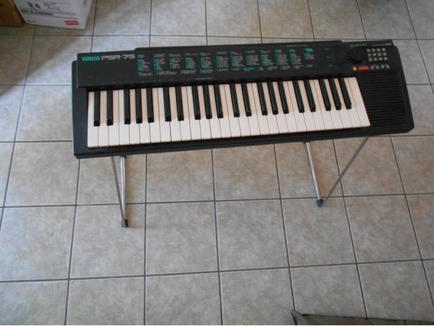 Yamaha PSR-75 Portable Keyboard