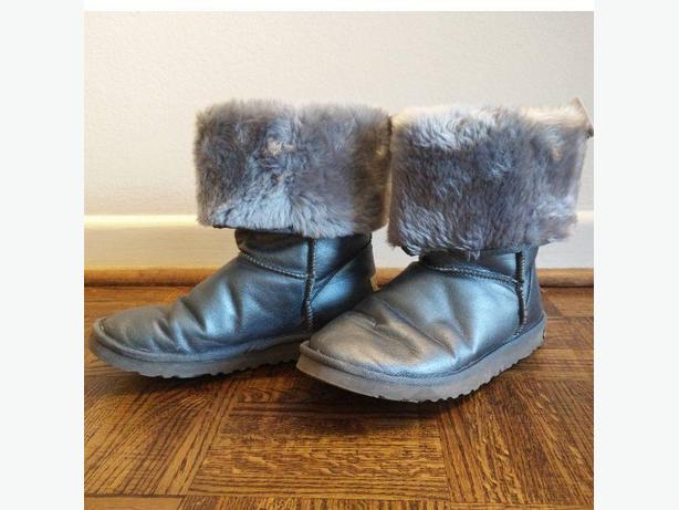 UGG Classic Short Metallic Grey Boots