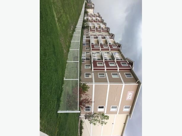 Big 2 bedrooms Suite for rent