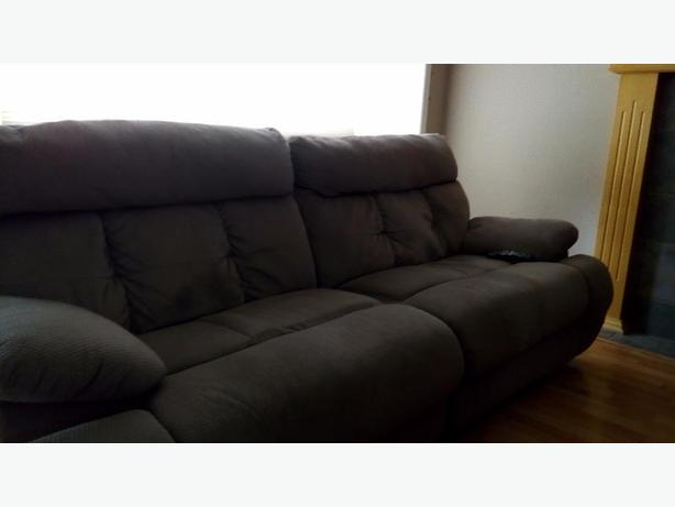 """""""Contact immediately """"MoViNg SaLE RECLIning SOFa GREAT COMFORT"""""""